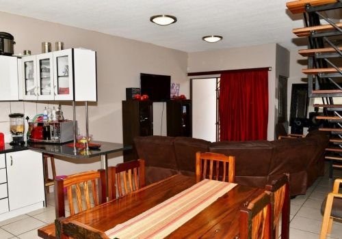3 Bedroom Townhouse For Sale