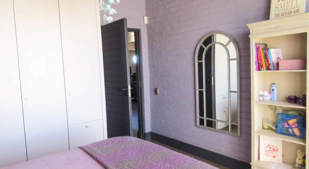 5 Bedroom House For Sale in Mile 4