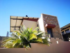 3 Bedroom Townhouse To Rent