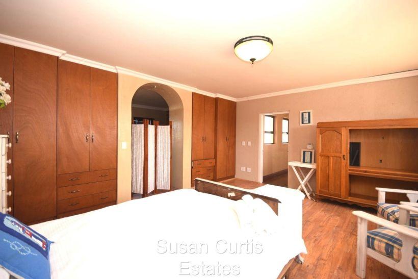 4 Bedroom House For Sale in Kramersdorf
