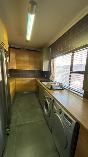 4 Bedroom House For Sale in Pioniers Park
