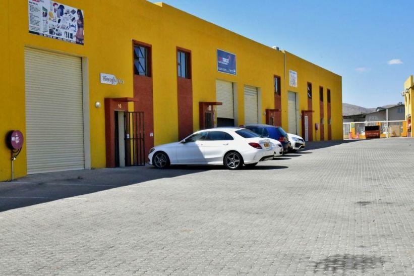 Warehouse For Sale in Prosperita