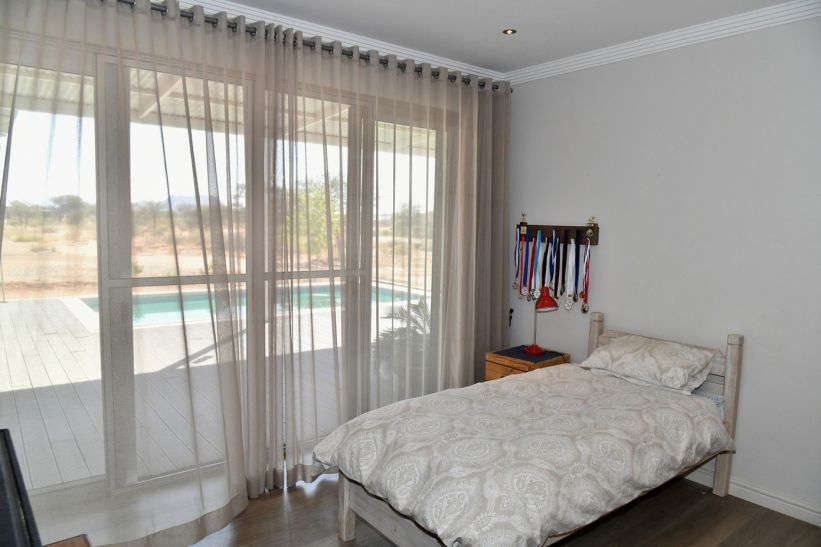 4 Bedroom House For Sale in Omeya