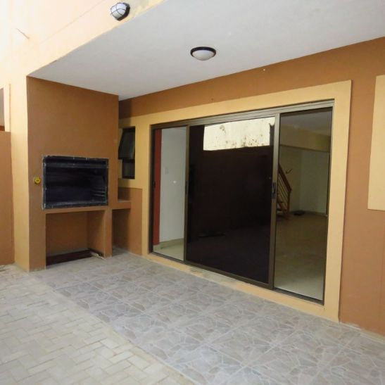3 Bedroom Apartment For Sale in Otjomuise