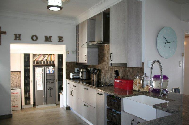 3 Bedroom House For Sale in Pionierspark Ext 1
