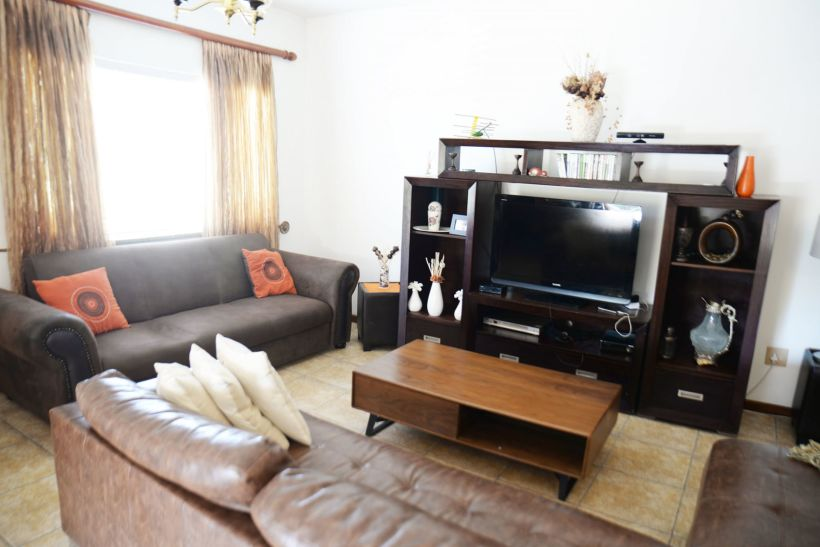 3 Bedroom Townhouse For Sale in Pioniers Park