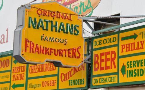 Nathan's Famous abre su primera ubicación en Miami Dade