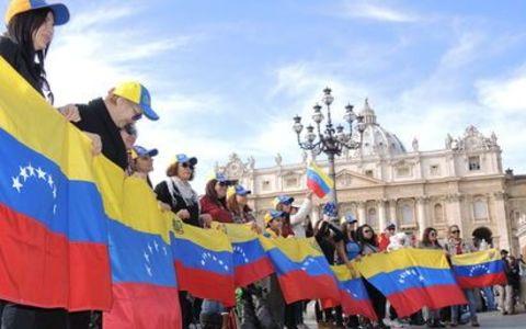 Venezolanos en extranjero se sacrifican para ayudar a familiares.
