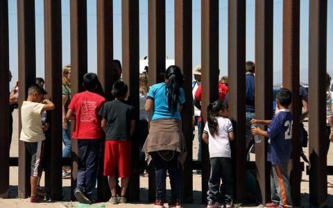 Sigue crisis humanitaria en frontera de Estados Unidos y México