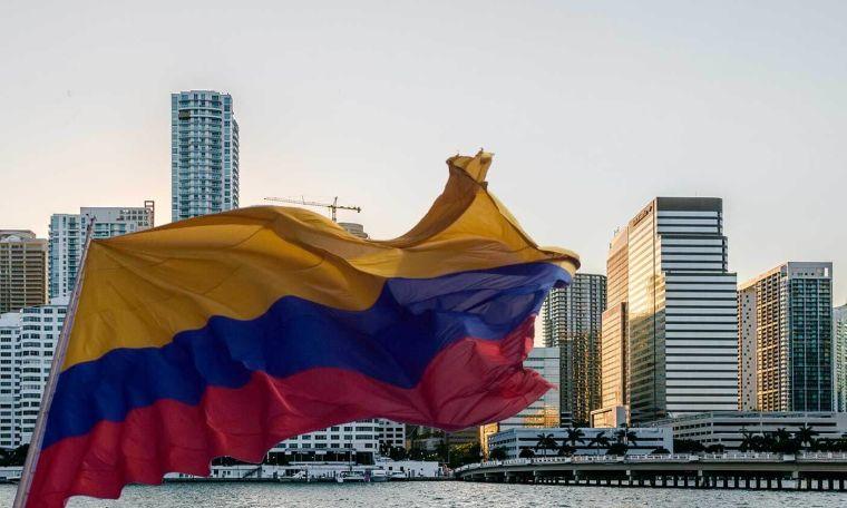 Colombianos son los que más buscan casas en Miami