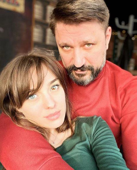 Виктор Логинов показал свою новую девушку с уникальным цветом глазом - таких одна на миллион
