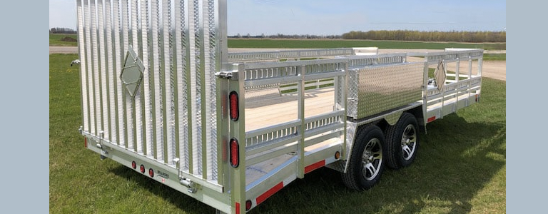 What are Some Benefits of the Deckover Trailer