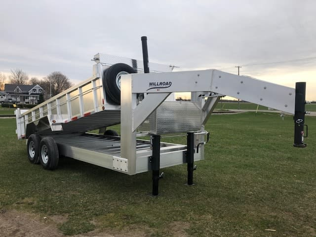 MGN16-7 DUMP W/ MOUNTED SPARE TIRE