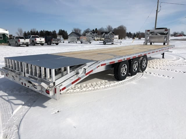 MGN32-10 W/ FULL WIDTH FLIP OVER RAMPS, ALUM RIMS TOOL BOX, REVERSE LIGHTS & MOUNTED SPARE TIRE