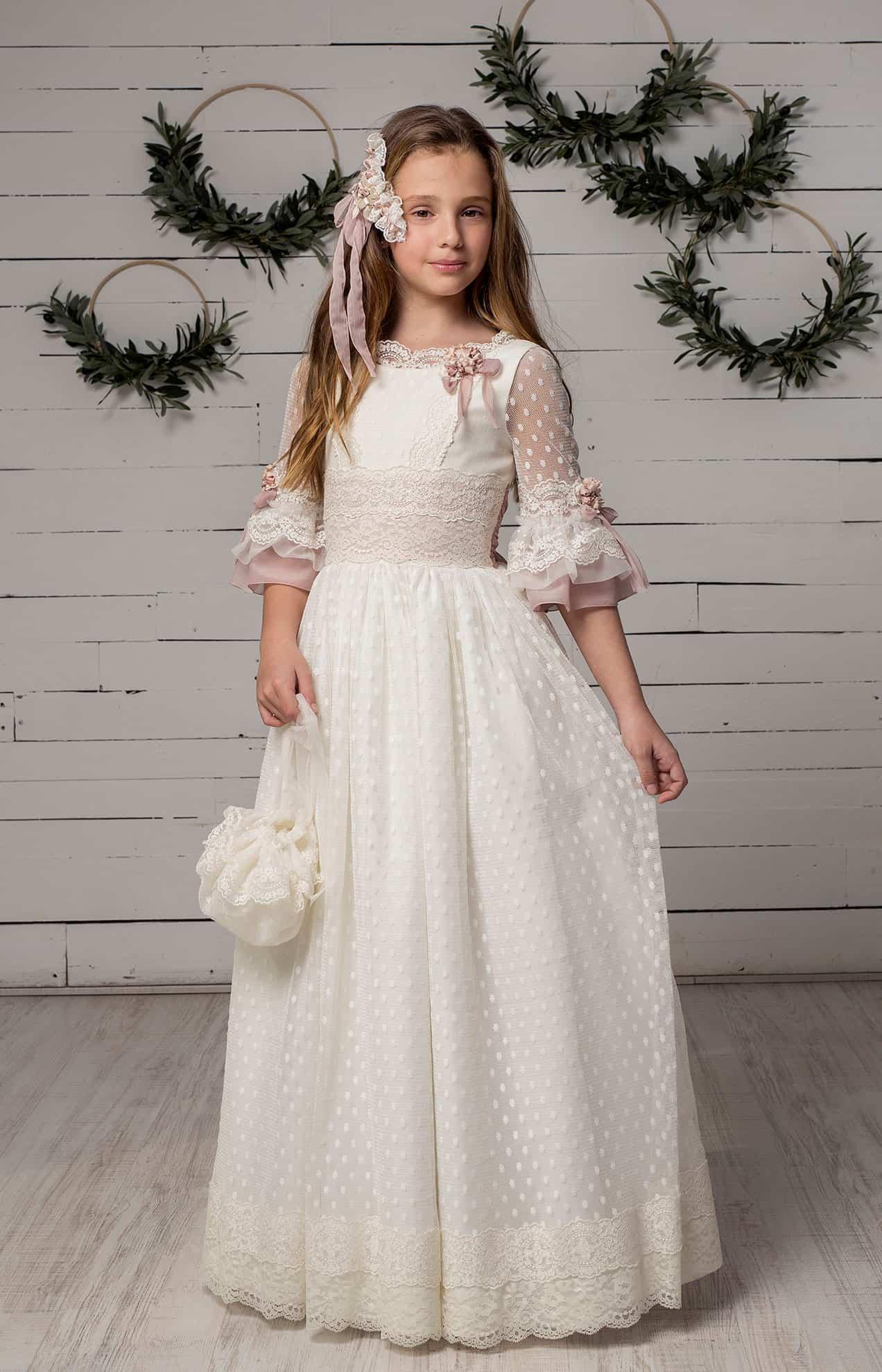 vestido de primera comunión en tienda en valencia. coleccion 2020