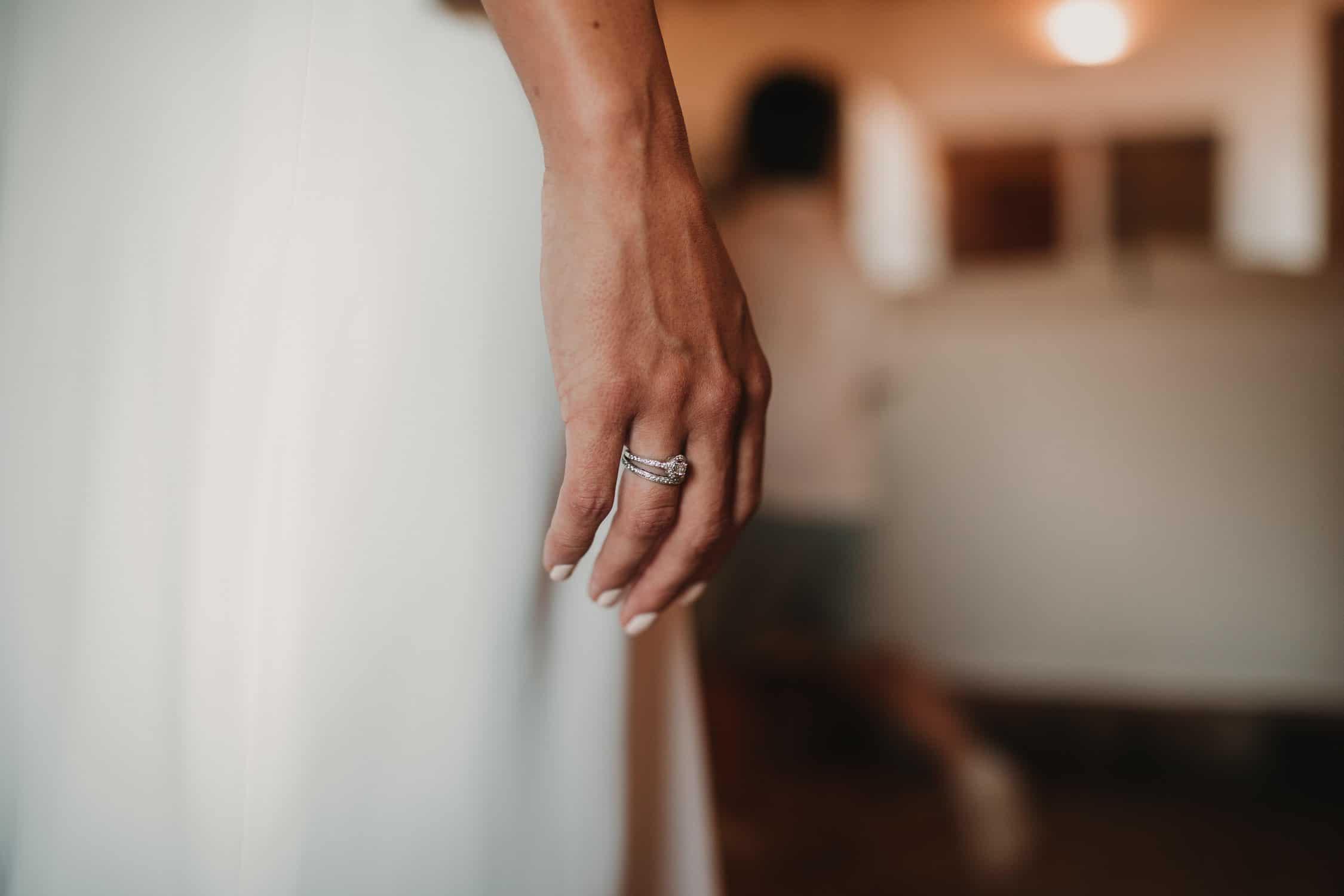 anillo novia laura