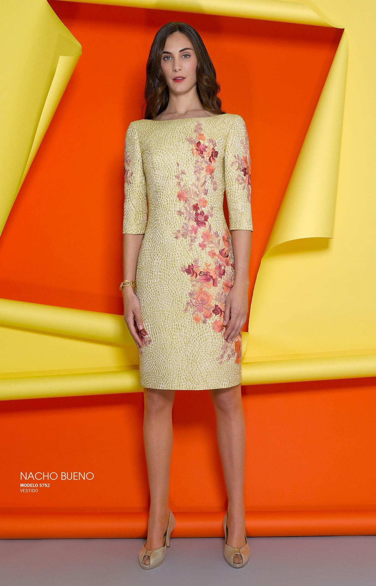 vestido de gala color amarillo valencia