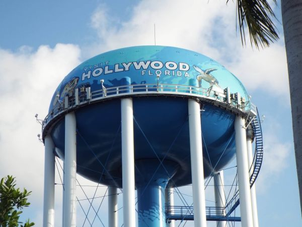 We Buy Homes In Hollywood FL