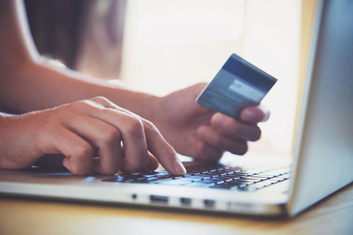 Tenant paying rent online