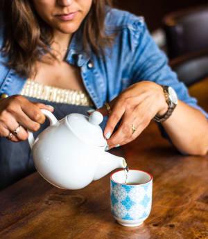 lemon ginger tea as natural remedies for nausea