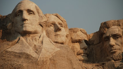 Tour Mt. Rushmore