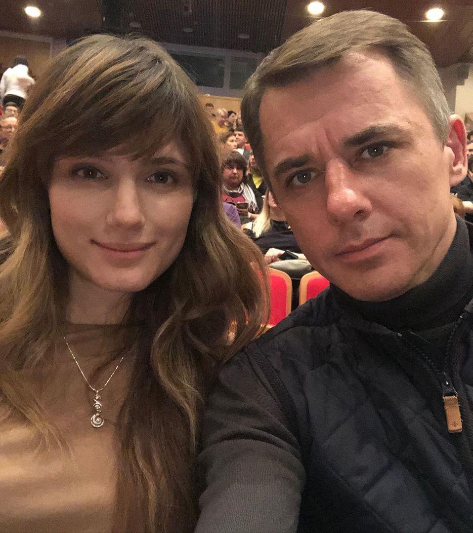 Красивые дети красивого мужчины: Игорь Петренко поделился снимком с подросшими дочерьми