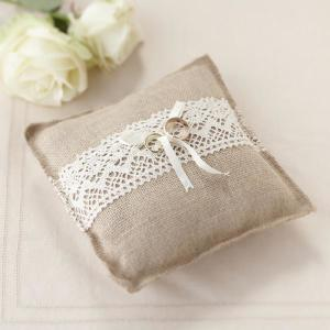 Vintage Affair Hessian Ring Cushion