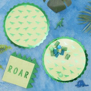Roarsome Foiled Paper Plates (8)