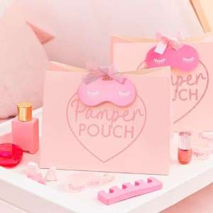 Pamper Party Pamper Pouch With Eye Mask Shaped Tag and Pink Ribbon (5)