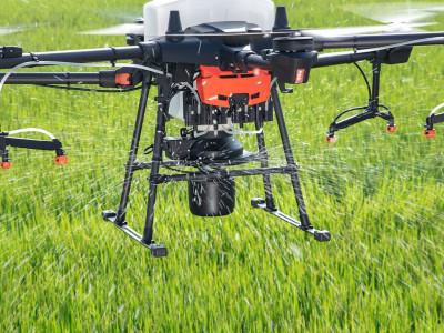 DJI AGRAS T20 spray drone