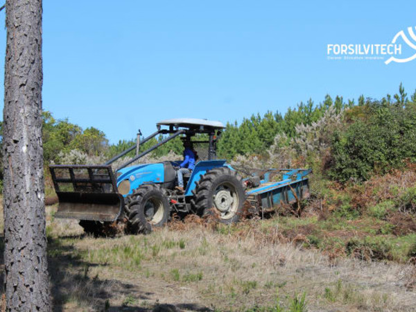 Tractor mounted with robust slasher for forestry conditions