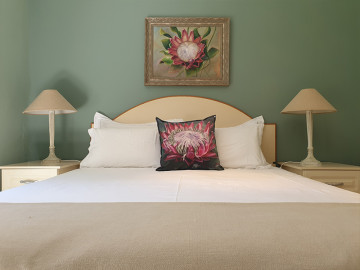 Böllinger Guest House Rooms Gallery - The Protea Room