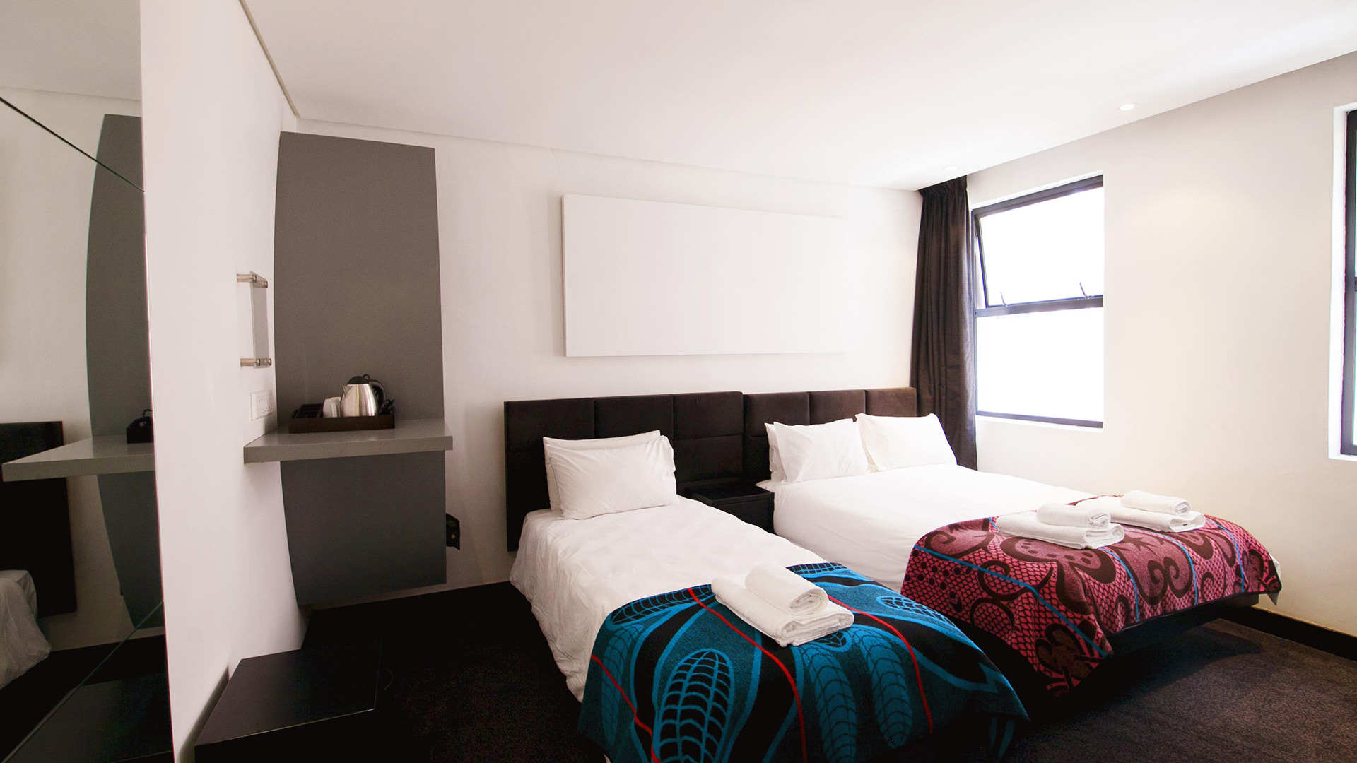 JOBURG: Pay 3, Stay 4 nights + Free Airport shuttle