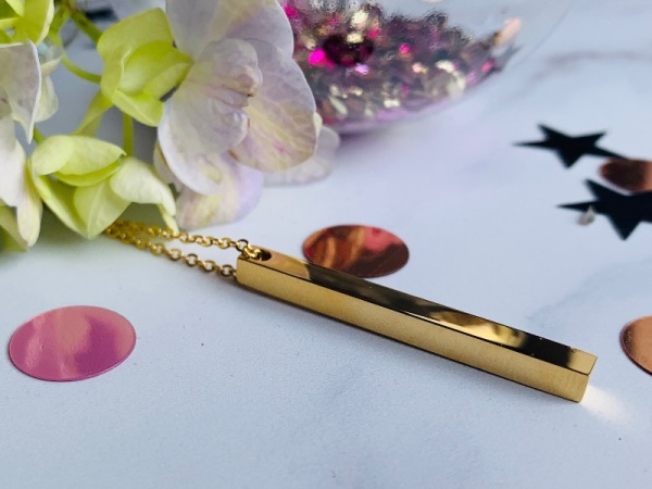 Tora Grace Reminder- Vertical Chunky Bar Yellow Gold