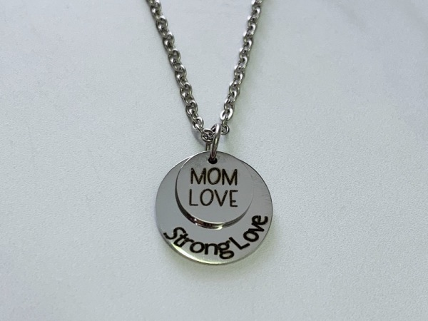 """Mom love. strong love"" Petite set"