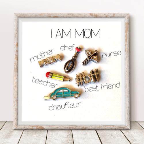 I am Mom Charm Set