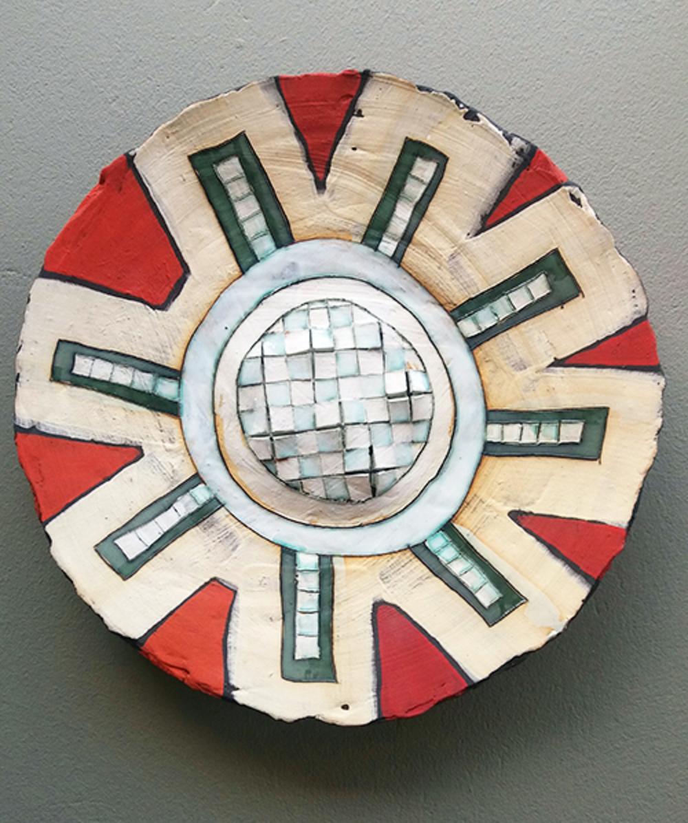 'Round ceramic plate