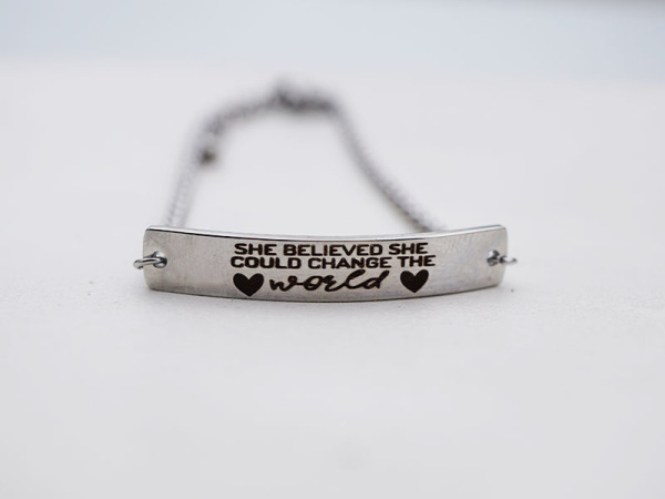 She believed she could change the world - Bar Bracelet