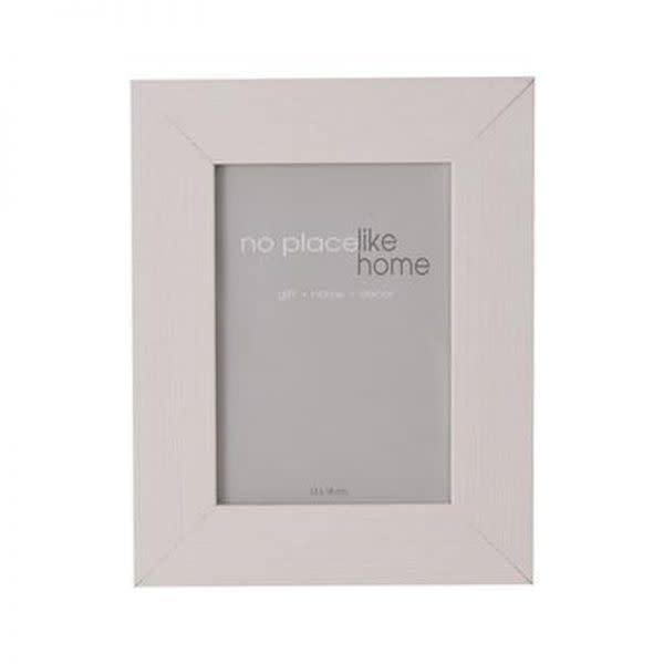 White Wooden Photo Frame (13cm x 18cm)