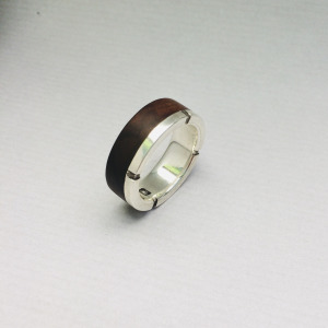Round silver and wood ring