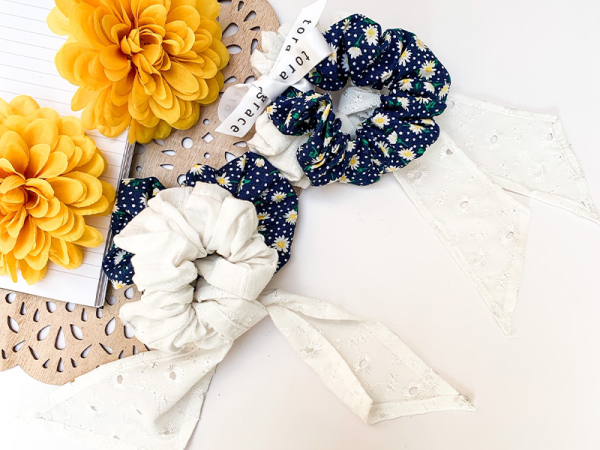 Lazy Daisy Days Scrunchie Set