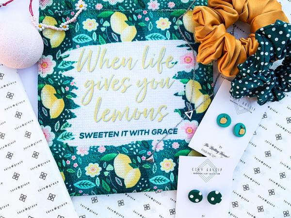 When Life Gives you Lemons -Filled Pocket Delux