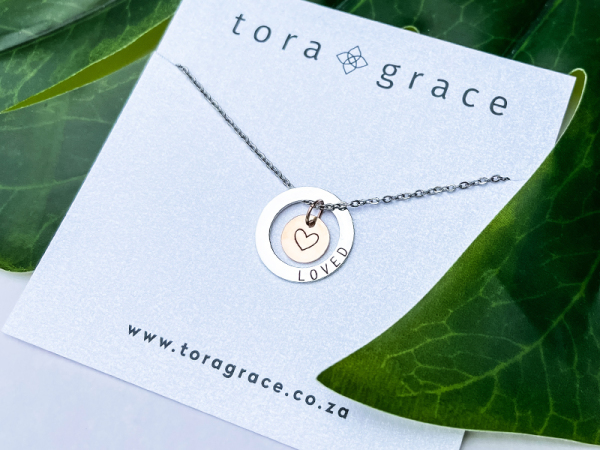 Minimalistic Circle Necklace - Loved