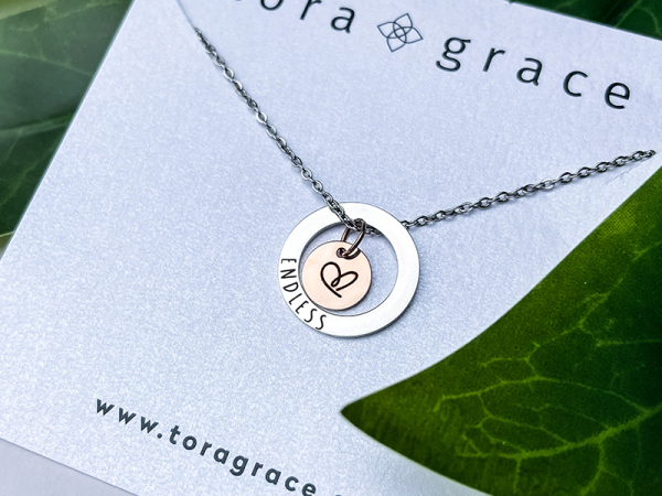 Minimalistic Circle Necklace - Endless Love