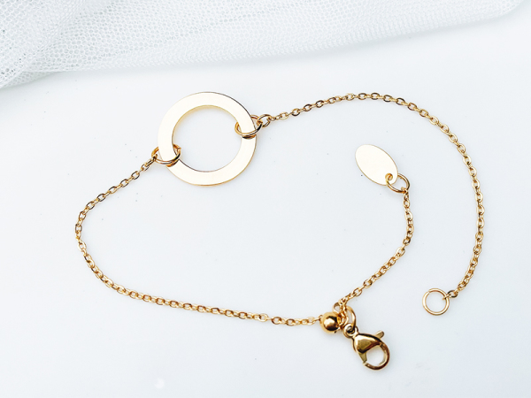 Minimalistic Circle Bracelet - Name Bracelet