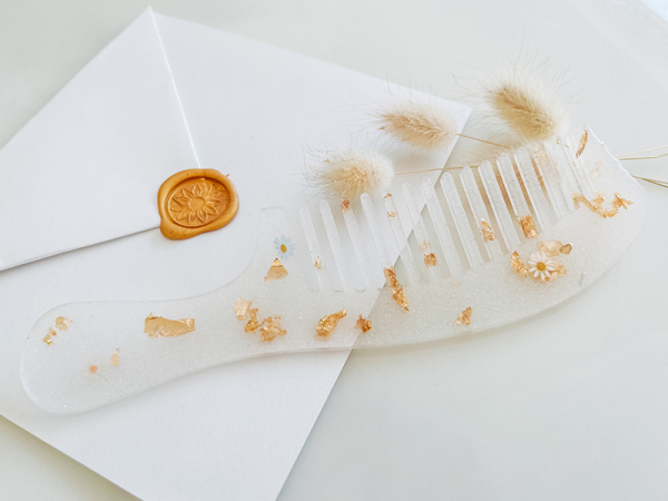 Glitter And Gold Comb