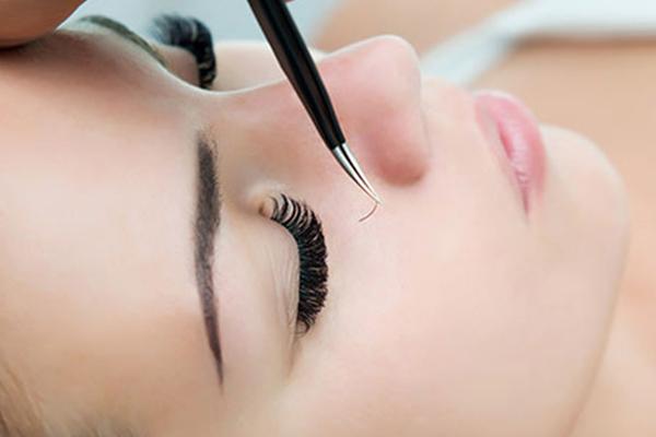 Facial waxing & tinting at Natasja's Beauty Room