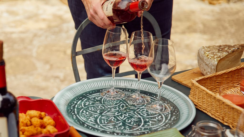 the art of pouring wine
