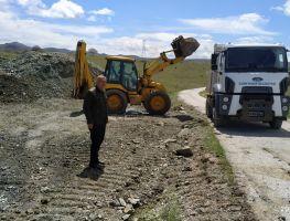 Güneysınır Belediyesi arazi yolu açma çalışmalarına devam ediyor.