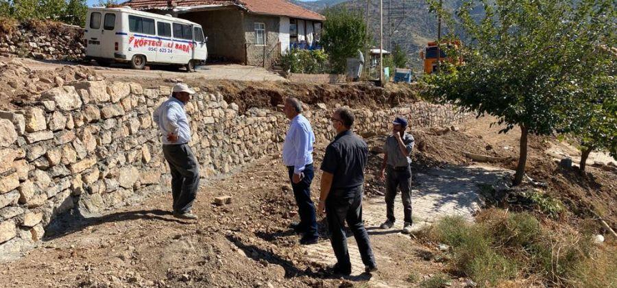 Güneysınır Belediyesinden Sarıhacı Mahallemizde İstinat Duvarı Yapımı